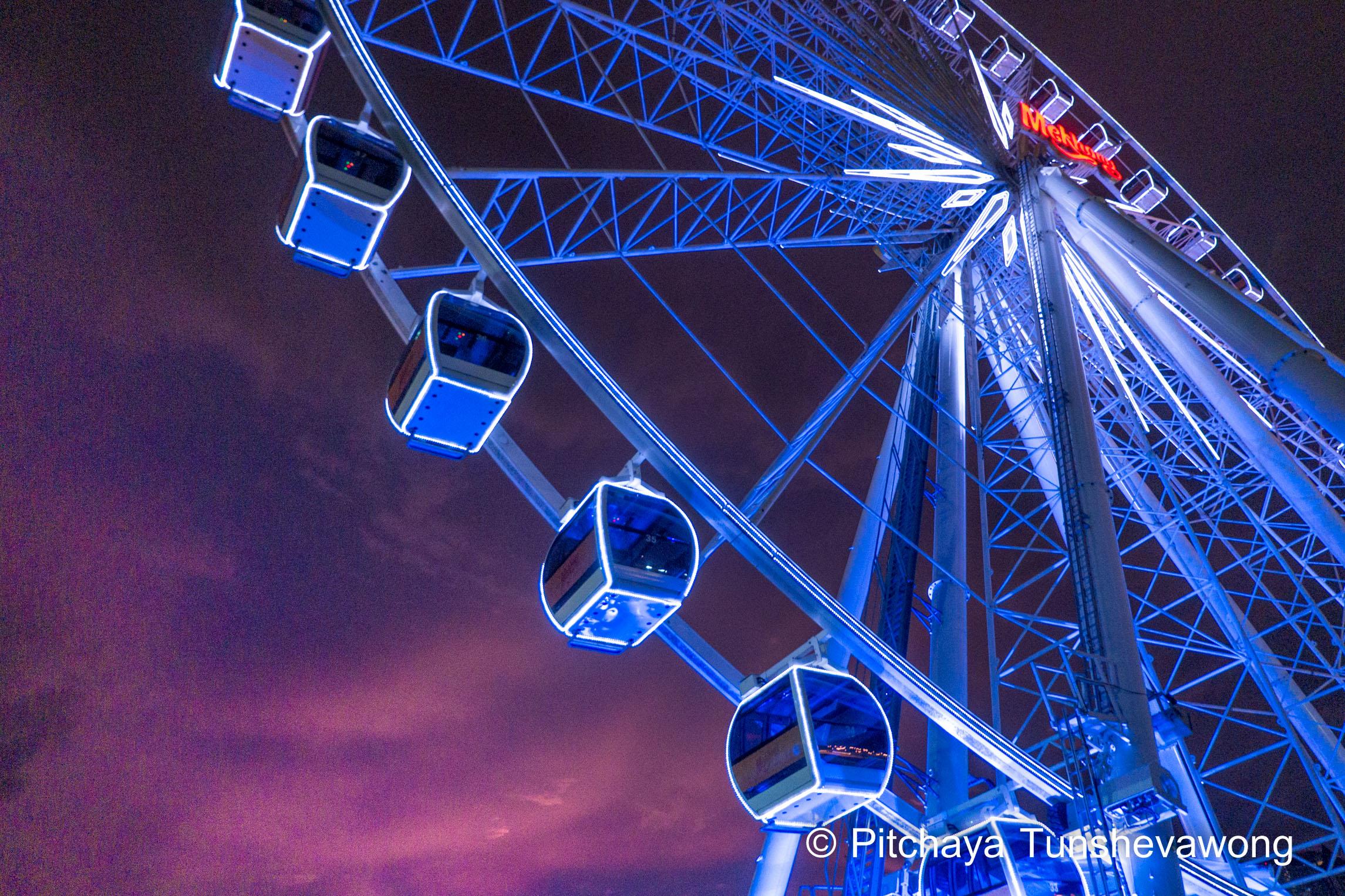 the Asiatique's landmark: Ferris wheel