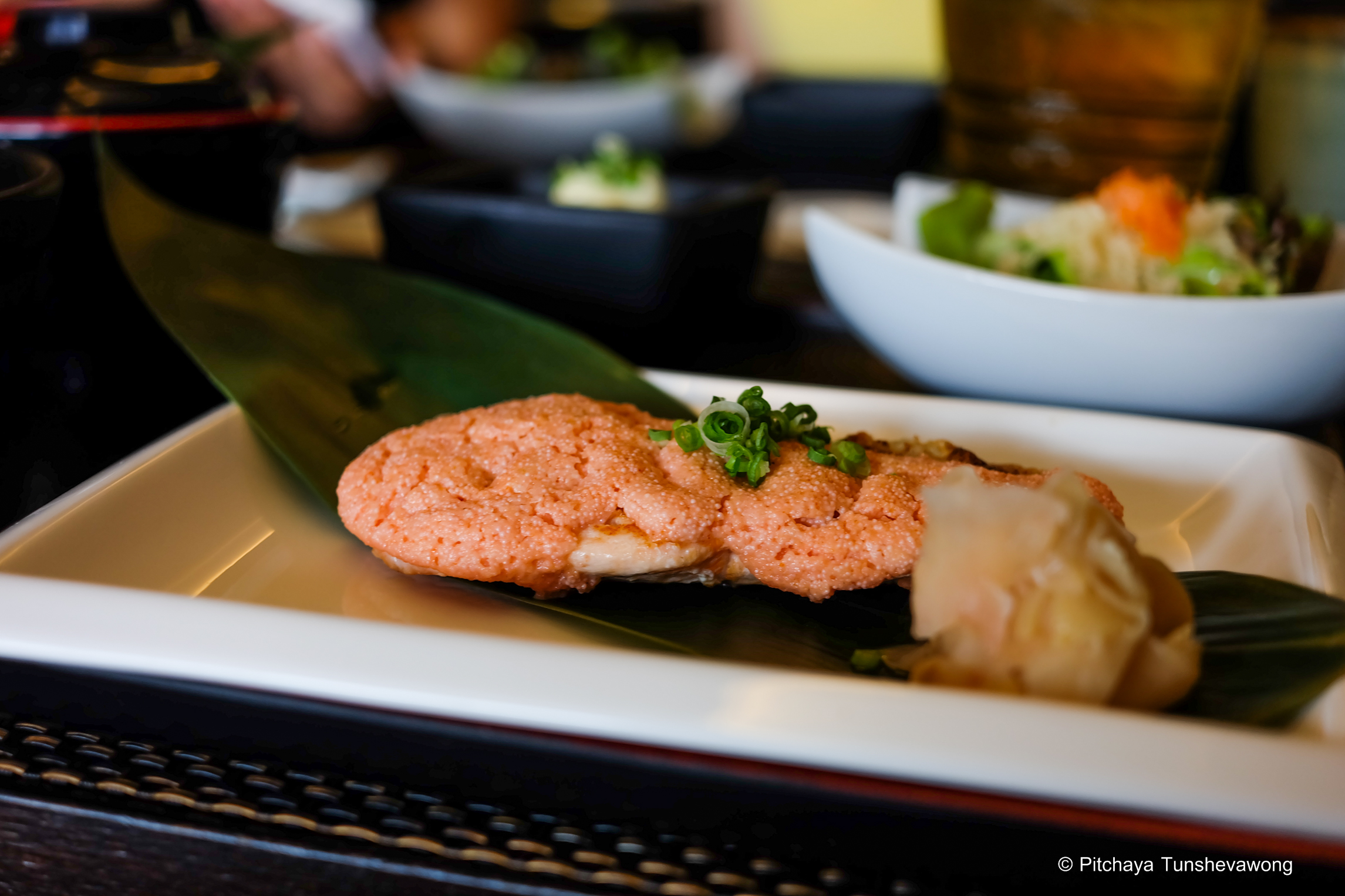 Shinsei Sushi: the grilled salmon covered with fish eggs for lunch set